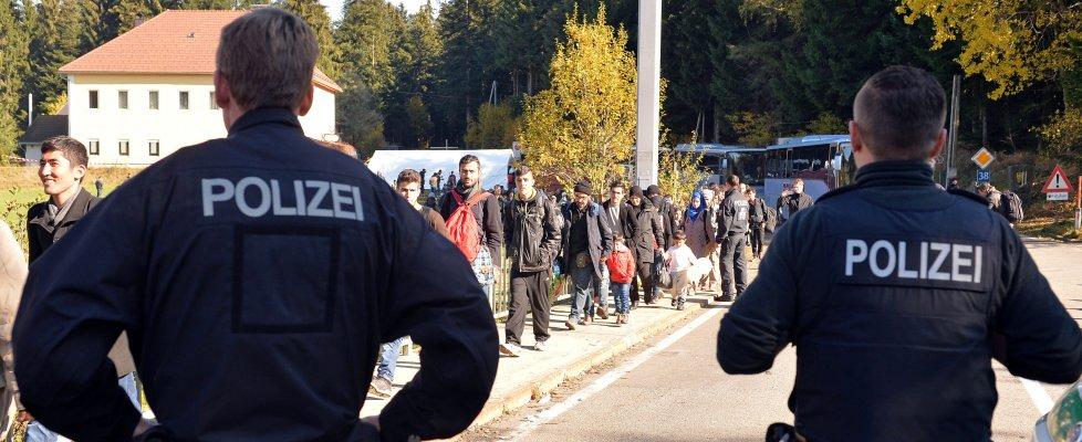 Polizia austriaca al confine