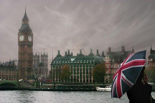 Londra e nuvole