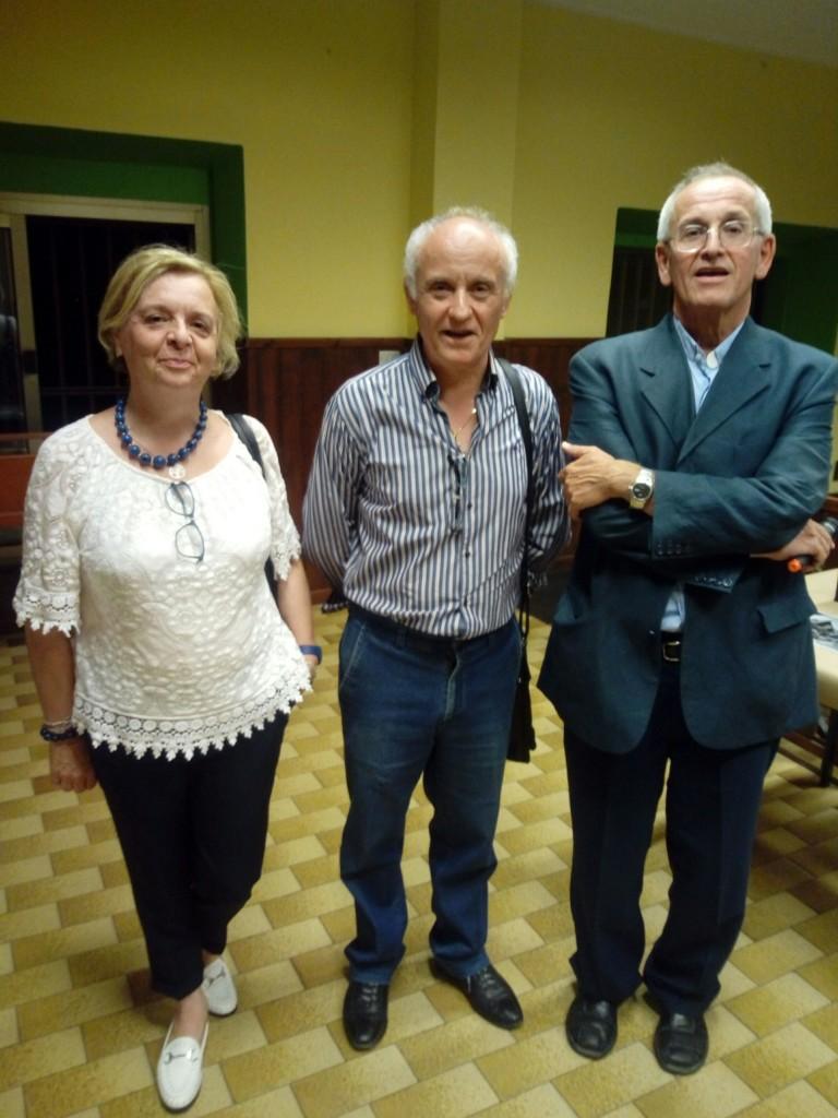 Il Sig. Donzelli, sua mogle Milena e il parroco don Claudio.