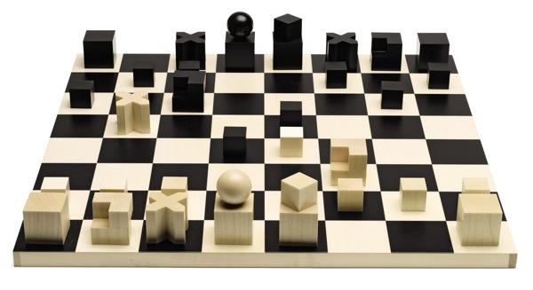 La forma degli scacchi indica le sue prossibilità di movimentoi nella scacchierfa di Hartwig
