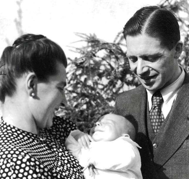 Josef Mayr Nusser con la moglie e i l figlioletto.
