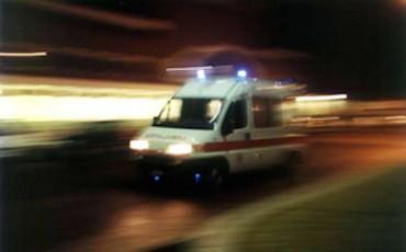 Sirena-dell-ambulanza-se-le-altre-auto-non-si-fermano-chi-responsabile-del-sinistro-370x230