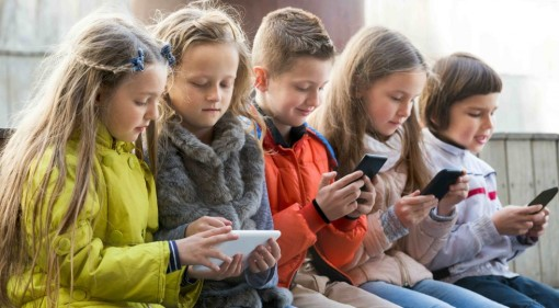 bambini e cellulari
