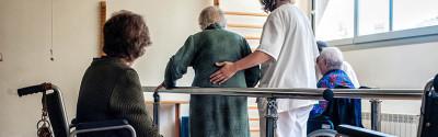 anziana e riabilitazione2